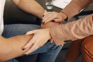 Acompañamiento en la terapia, cercanía y empatía.