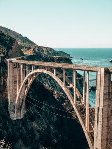 construir puentes